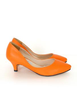 [模特穿着商品]鞋。 108 <br> <b><FONT color=#980000>[5900统一价格!]</font></b> <br>