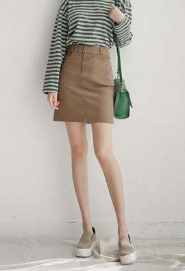 简单坑!基本棉质半身裙<br> <FONT color=#980000>◆剩余音量:深紫色/ S 1张</font> <br>