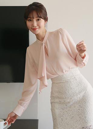 漂亮的Chinju褶边领带衬衫<br> <b>广播赞助商品</b> <br>